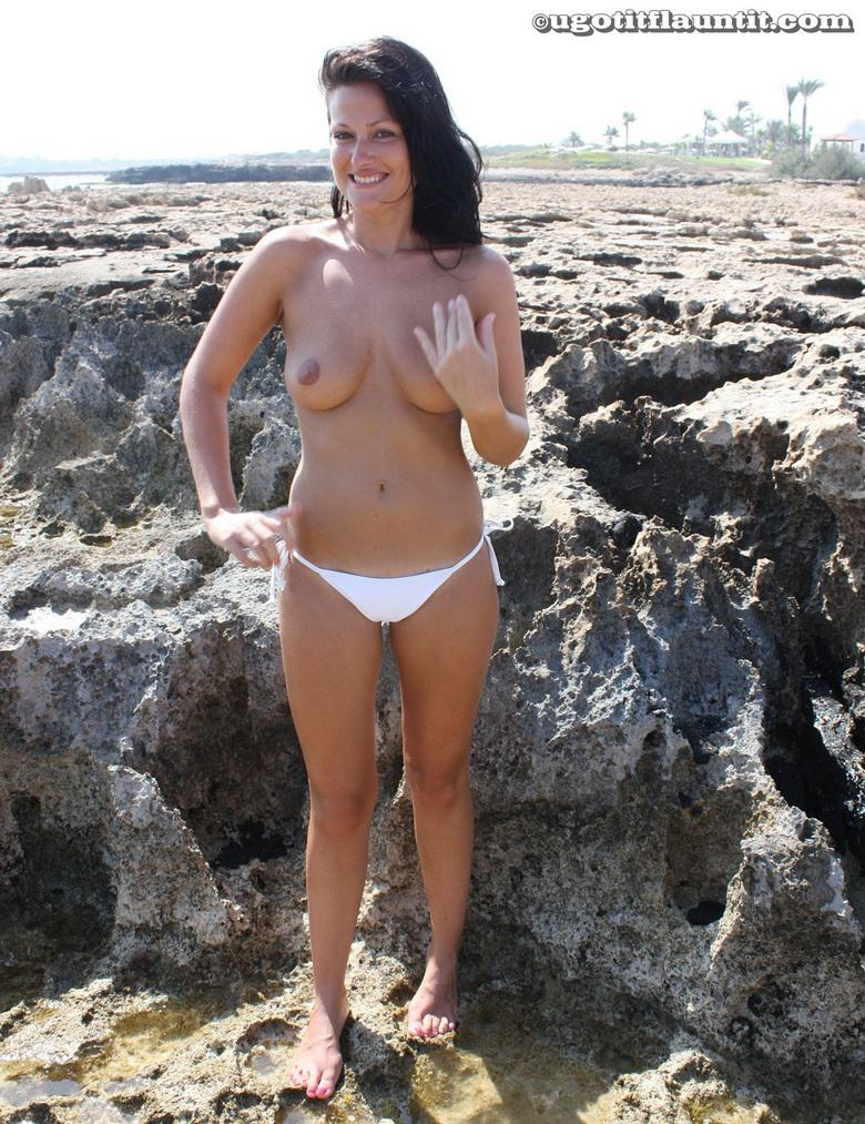Debbie topless on the beach in 15 photos from U Got It! Flaunt It! picture 9