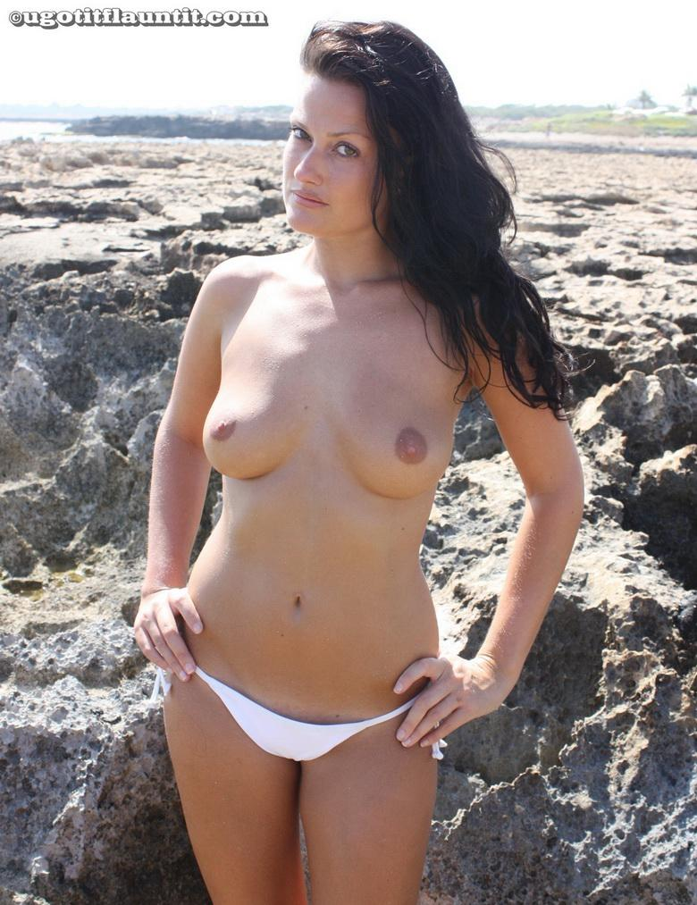 Debbie topless on the beach in 15 photos from U Got It! Flaunt It! picture 8