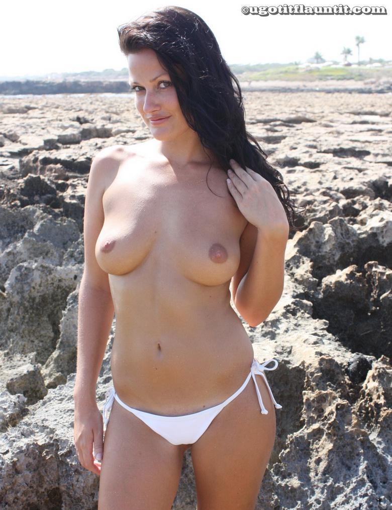 Debbie topless on the beach in 15 photos from U Got It! Flaunt It! picture 10