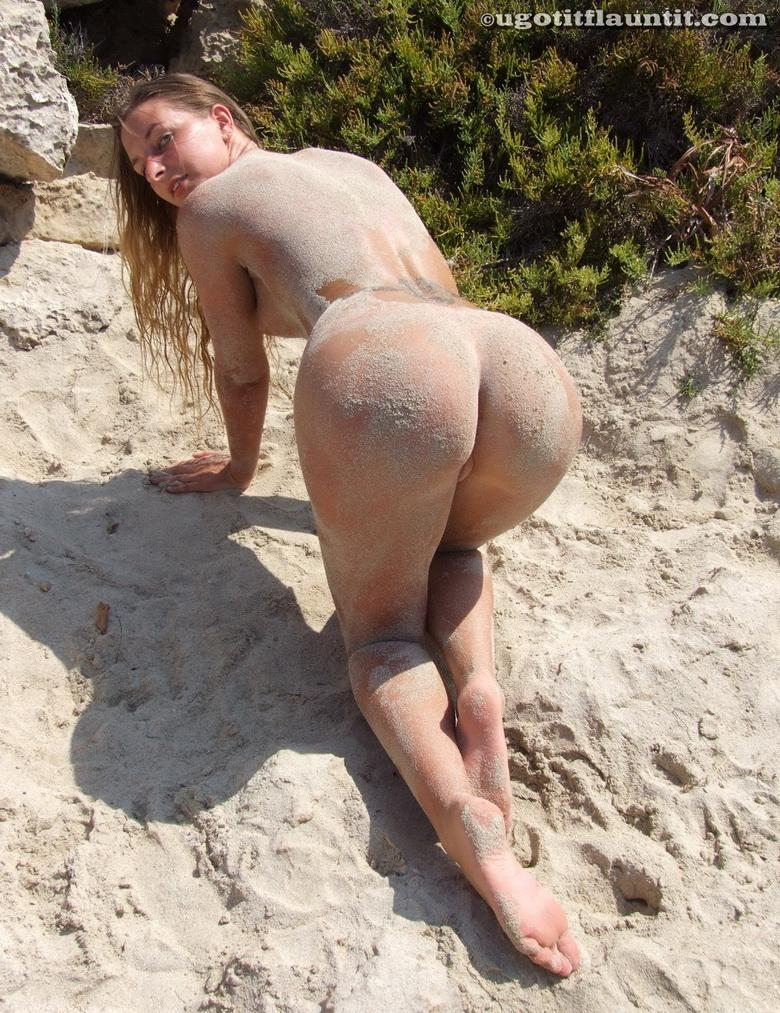 Bobbie in the sand in 18 photos from U Got It! Flaunt It! picture 16