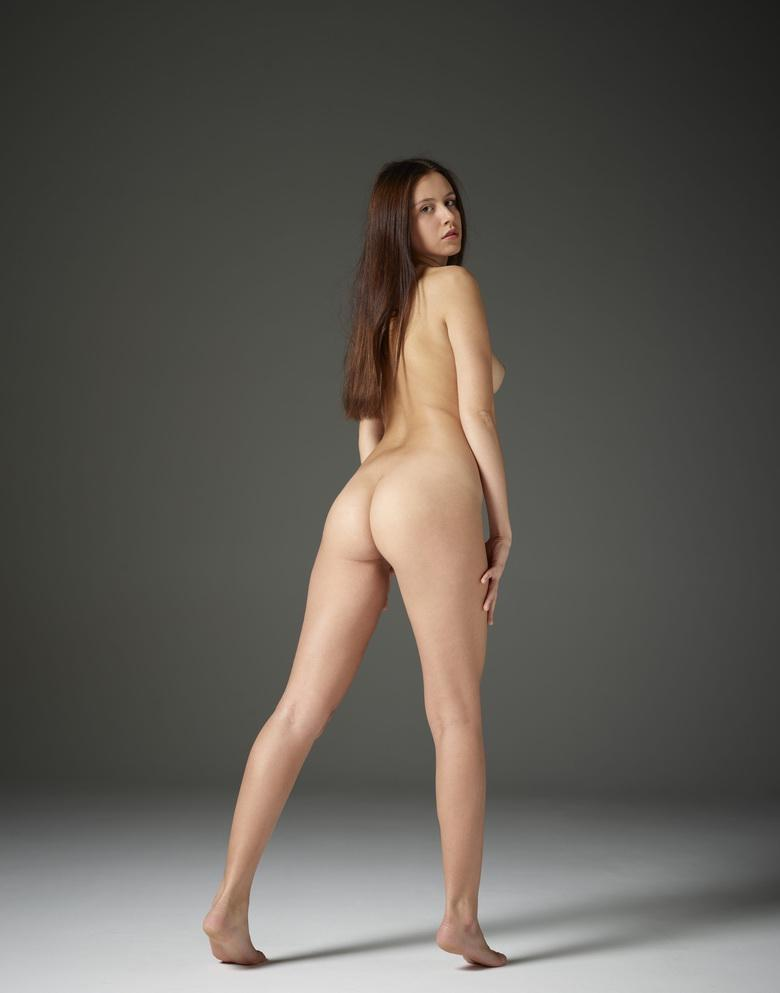 Alisa in Ample Nudes in 15 photos from Hegre-Art picture 6