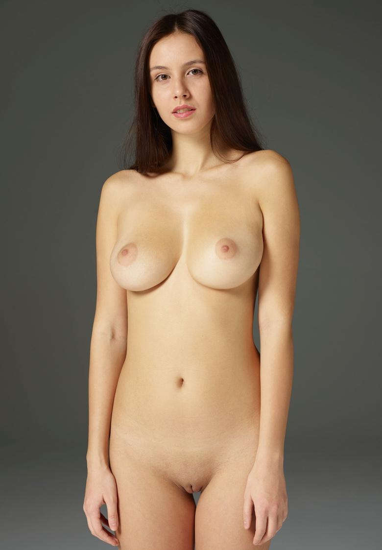 Alisa in Ample Nudes in 15 photos from Hegre-Art picture 5