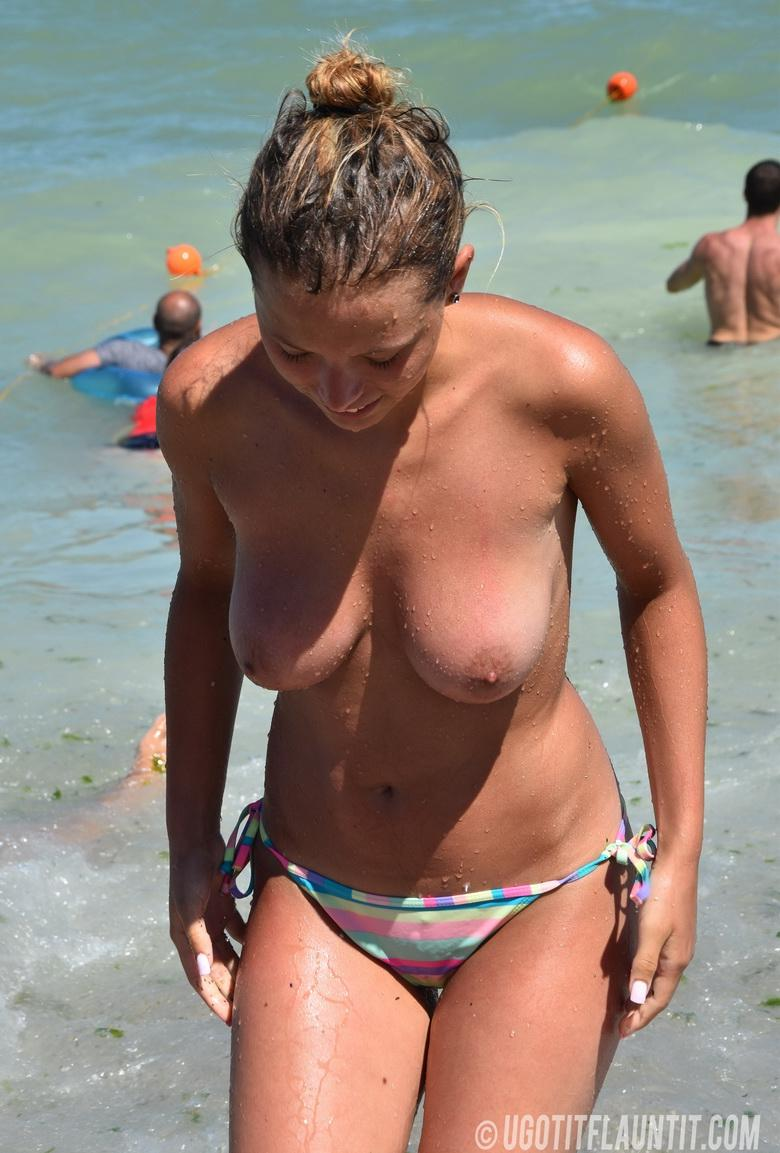 Beatrice topless on the beach in 15 photos from U Got It! Flaunt It! picture 11