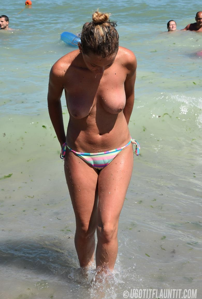 Beatrice topless on the beach in 15 photos from U Got It! Flaunt It! picture 15