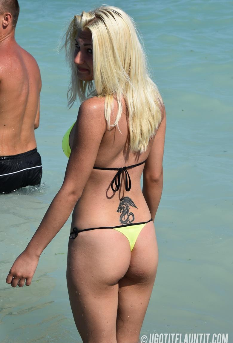 Blonde Betty topless on the beach in 15 photos from U Got It! Flaunt It! photo 3