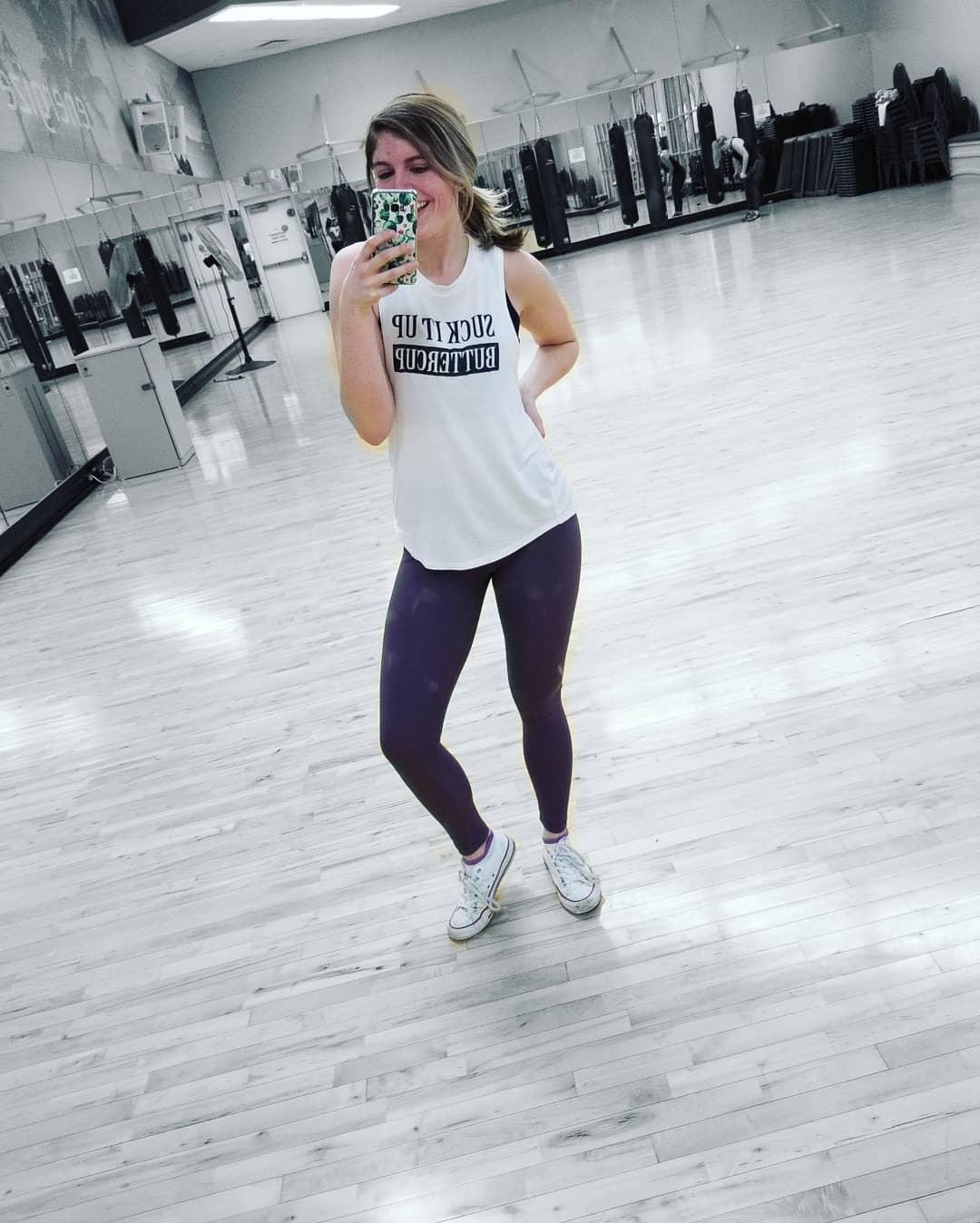 pretty princess publishing her gym diary with some sexy selfies picture 11