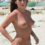 topless rocks with amateur cutie laura picture 7