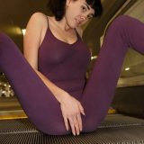 full-body dress that shows a clear vaulting at the cameltoe picture 9