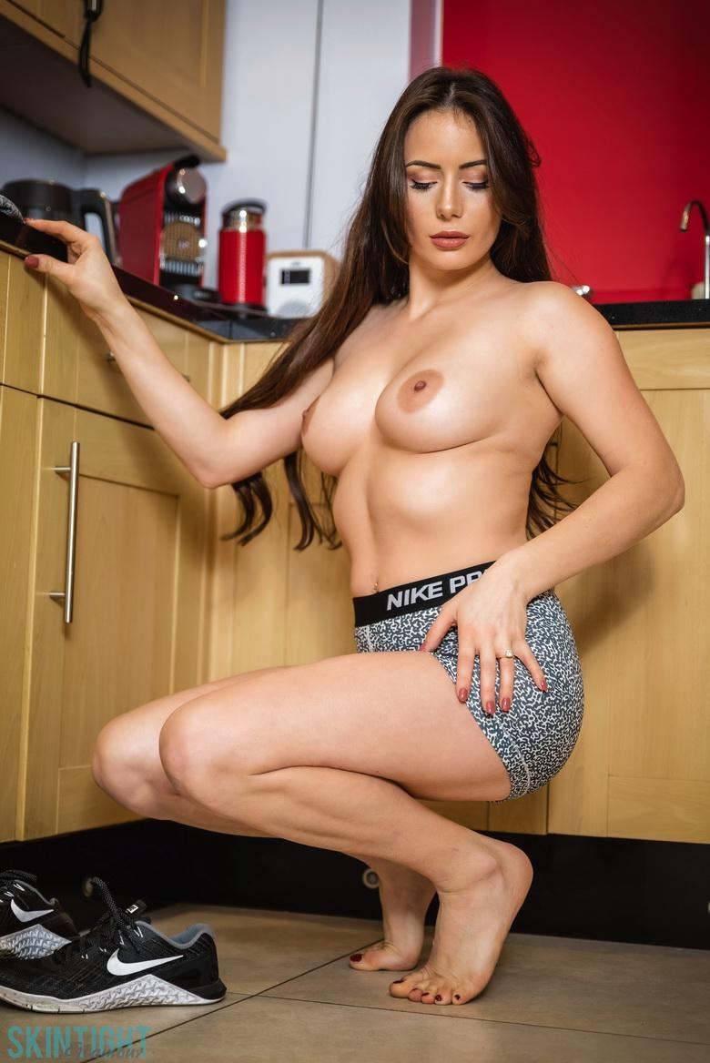 Kitchen Cutie Laura Hollyman in 15 photos from Skin Tight Glamour photo 10