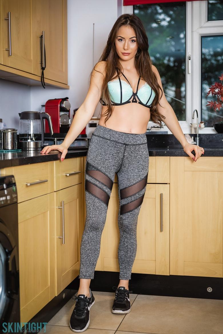 Kitchen Cutie Laura Hollyman in 15 photos from Skin Tight Glamour photo 2