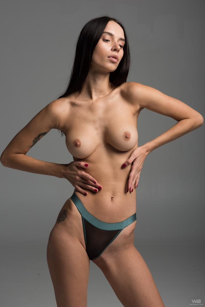 Frey from Ukraine in 18 photos from Watch 4 Beauty photo 4
