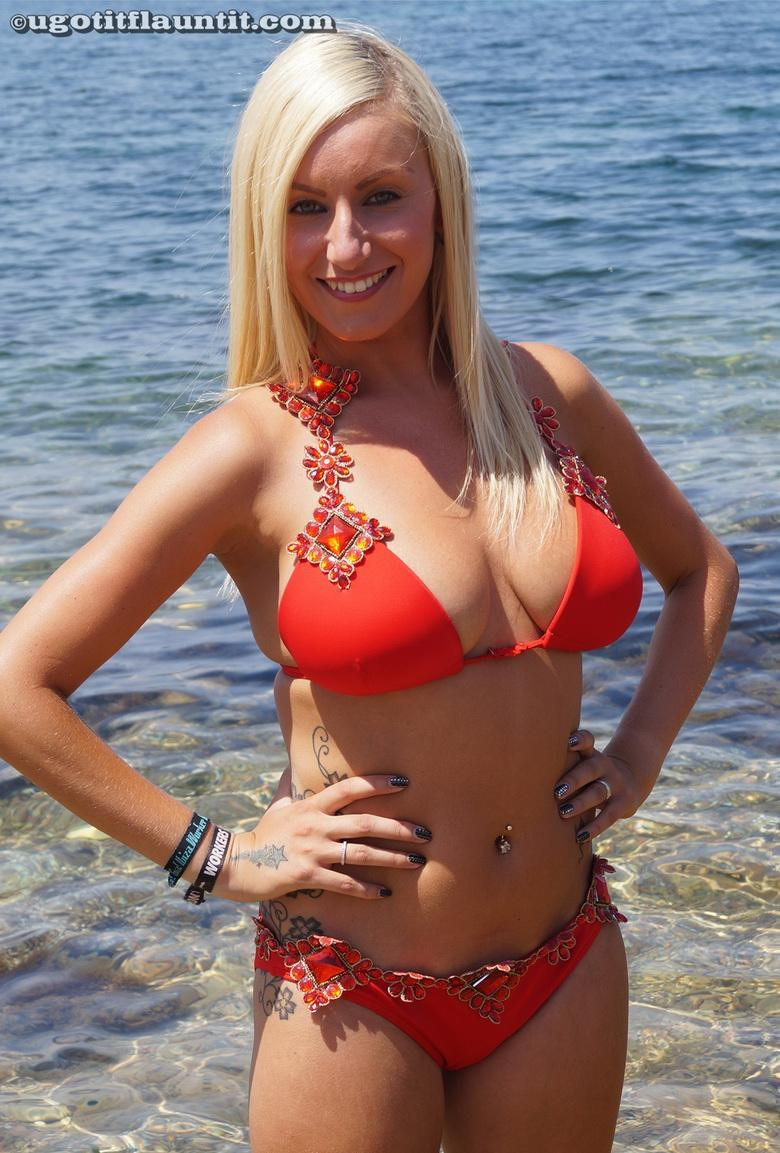 xmas bikini selfies from rachel from sunny beach picture 2